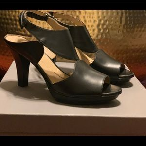 Naturalizer peep toe heels
